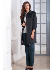 Демисезонное пальто с застежкой доверху и отложным воротником