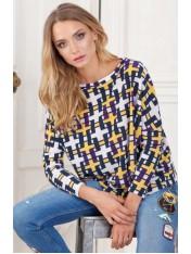 Стильный свитер с геометрическим принтом